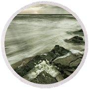Dreamy Waves Round Beach Towel