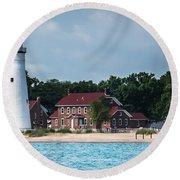 Fort Gratiot Lighthouse Round Beach Towel