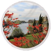 Garrick Temple On The River Thames At Hampton Round Beach Towel