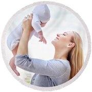 Happy Mother With Baby Round Beach Towel