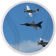Heritage Flight, P-51 Mustang And F-16 Fighting Falcon Round Beach Towel