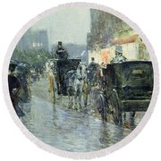 Horse Drawn Cabs At Evening In New York Round Beach Towel by Childe Hassam