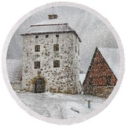 Hovdala Castle Gatehouse In Winter Round Beach Towel