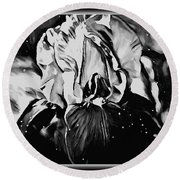 Iris In Black And White Round Beach Towel