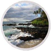 Ke Lei Mai La O Paako Oneloa Puu Olai Makena Maui Hawaii Round Beach Towel by Sharon Mau