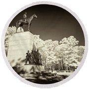 Louisiana Monument At Gettysburg Round Beach Towel
