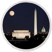 Moon Rising In Washington Dc Round Beach Towel