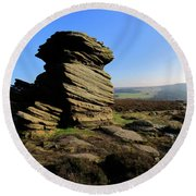 Mother Cap Gritstone Rock Formation, Millstone Edge Round Beach Towel