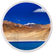Mountains And Rocks Pangong Tso Lake Leh Ladakh Jammu Kashmir India Round Beach Towel