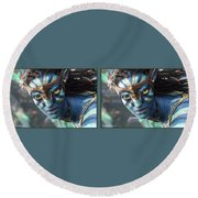 Neytiri - Gently Cross Your Eyes And Focus On The Middle Image Round Beach Towel