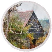 Old Barn At Cades Cove Round Beach Towel