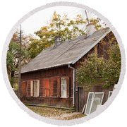 Old Wooden House With Tar Round Beach Towel