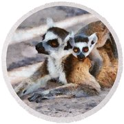 Ring Tailed Lemur With Baby Round Beach Towel