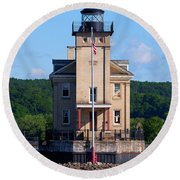 Rondout Lighthouse On The Hudson River New York Round Beach Towel