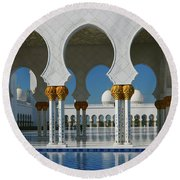 Sheikh Zayed Grand Mosque Abu Dhabi United Arab Emirates Round Beach Towel