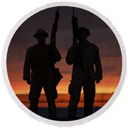 Silhouette Of U.s Marines On A Bunker Round Beach Towel