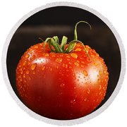 Single Fresh Tomato With Dew Drops Round Beach Towel