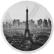 Skyline Of Paris In Black And White Round Beach Towel