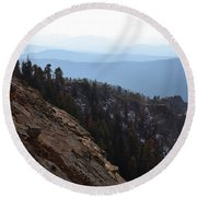 Smoky Evening Vista Over Kings Canyon Round Beach Towel