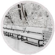 Snow In Central Park Nyc Round Beach Towel