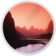 Sunset Over Li River Round Beach Towel