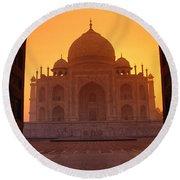 Taj Mahal View Round Beach Towel