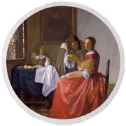 The Girl With A Wineglass Round Beach Towel