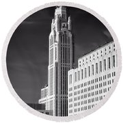 The Leveque Tower Of Columbus Ohio Round Beach Towel