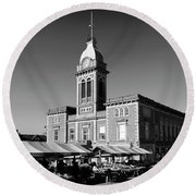 The Market Hall, Market Square, Chesterfield Town, Derbyshire Round Beach Towel