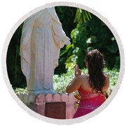 The Praying Princess Round Beach Towel