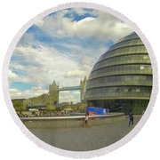 The Towers Of London Round Beach Towel