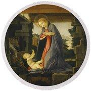 The Virgin Adoring The Child Round Beach Towel