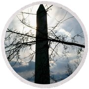 The Washington Monument  Round Beach Towel