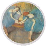 Two Dancers At Rest Round Beach Towel