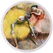 Two Dancers In Yellow And Pink Round Beach Towel