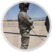 Uh-60 Black Hawk Crew Chief Round Beach Towel