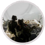 U.s. Army Green Berets Wait To Jump Round Beach Towel