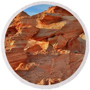 Valley Of Fire Arch At Sunrise Round Beach Towel
