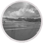 Visitors To The Sand Dunes Round Beach Towel