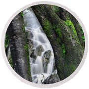 Waterfall In Cradle Mountain Round Beach Towel