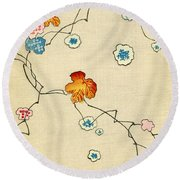 Woodblock Print Of Fall Leaves Round Beach Towel