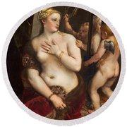 Venus With A Mirror Round Beach Towel