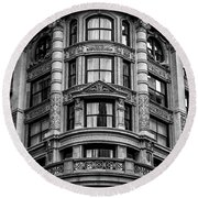 141 Fifth Avenue, Chelsea New York Round Beach Towel