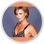 1491 Celebrity Charlize Theron  Round Beach Towel