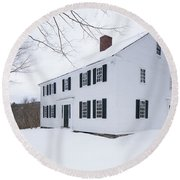 1800 White Colonial Home Round Beach Towel