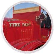 1919 Volunteer Fire Truck Round Beach Towel