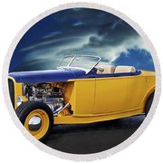 1932 Ford Roadster L Round Beach Towel