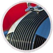 1935 Pontiac Sedan Hood Ornament Round Beach Towel