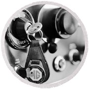 1948 Mg Tc Key Ring Black And White Round Beach Towel