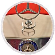 1957 Mercedes-benz 220 S Hood Ornament Round Beach Towel